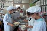 Nhật Bản đã làm gì sau khi xảy ra sự cố an toàn thực phẩm trường học?