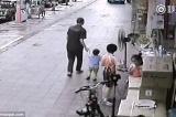 bắt cóc trẻ em