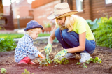 """Ba điều cha mẹ cần """"buông bỏ"""" để con cái có tương lai hơn"""