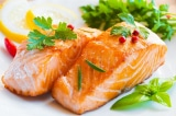 cá hồi, thực phẩm giải độc gan, thực phẩm giúp ngăn ngừa bệnh Alzheimer