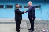 """""""Chuyện tình buồn"""" Trump – Kim"""