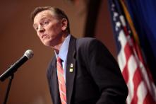 """Tên """"virus Trung Cộng"""" được chọn nhiều nhất trong điều tra online của nghị sĩ Mỹ"""