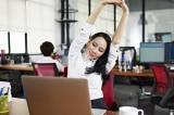 Vì sao bác sĩ thường khuyên bạn tập động tác nâng tay cao qua đầu?