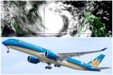 Hàng trăm chuyến bay bị hủy, tàu hỏa phải dừng chạy vì 'siêu bão' số 9