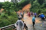 2 cán bộ xã ở Quảng Nam bị đất đá sạt lở vùi lấp, mất tích