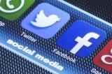"""Facebook và Twitter """"gắn nhãn"""" các bài đăng của TT Trump 25 lần trong 24 giờ"""